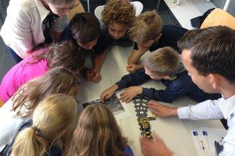 Schulklassen bei Eisenbahn-Workshop2