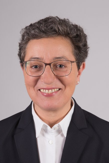 Dr. Gabriela Fernandes