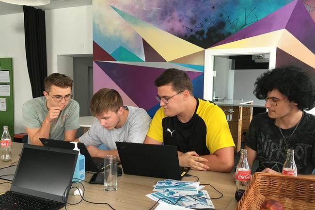 Codingweek-Lehrlinge_cRainer-Gutkas.png