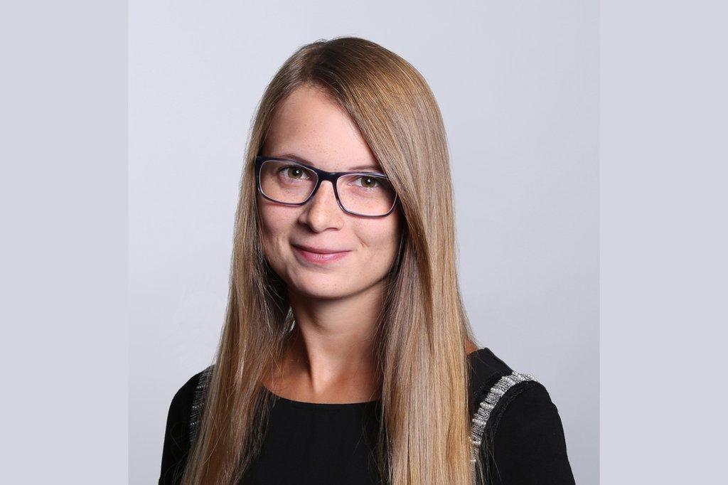Nicole Pollitzer, Absolventin des Bachelor Studiengangs Marketing & Kommunikation und Master Studiengangs Digital Marketing & Kommunikation an der FH St. Pölten