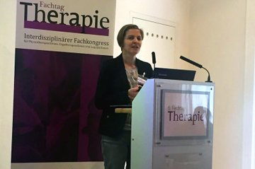 Studiengangsleiterin Kerstin Lampel während ihres Vortrags