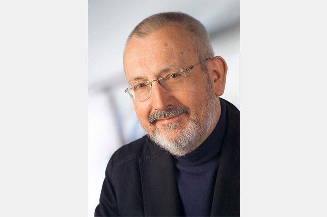 Erich Neuwirth spricht im FH Interview über die aktuellen Coronazahlen und die Kunst der Dateninterpretation