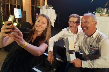 FH-Alumna Denise Hebenstreit und ihr Team gewinnen den Goldenen Hahn 2019
