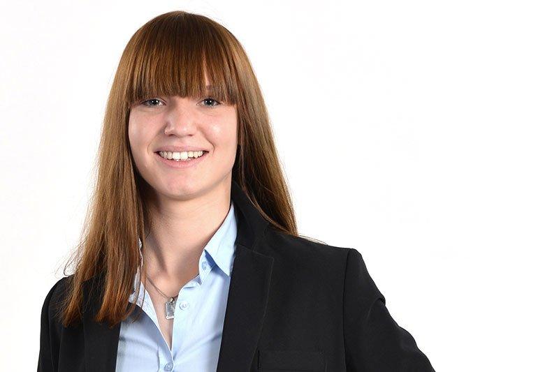 ipl.-Ing. Kerstin Ramer, BSc ist Absolventin des Department Informatik und Security und arbeitet als Senior Consultant für E-Discovery und Forensik