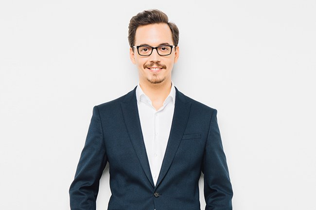 Leopold Grübl ist Absolvent des Bachelor Studiengangs Media- und Kommunikationsberatung.