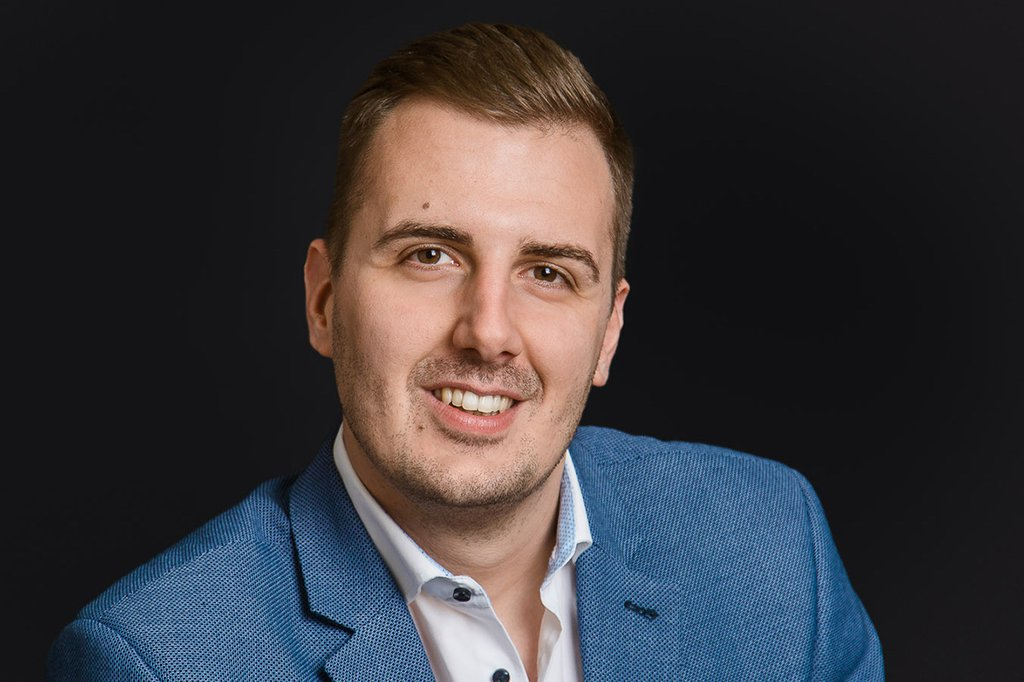 Daniel Ruzsa, Digital Media Manager bei kika/Leiner, Absolvent des Masterlehrgangs Digital Marketing an der FH St. Pölten