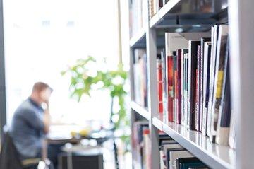 Die Bibliothek der FH St. Pölten ist unter den Vorreiterinnen beim Umsetzen eines zukunftsweisenden Bibliothekensystems.