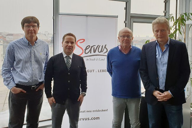 Die Runde des Expertengesprächs (v.l.n.r.): Harald Rametsteiner (Lehrgangsleiter Digital Marketing und Eventmanagement), Michael Litschka (Studiengangsleiter Digital Media Management), Ewald Volk (Studiengangsleiter Medienmanagement) und Gerhard Riedler (Global Head of Media Sales Red Bull Media House).