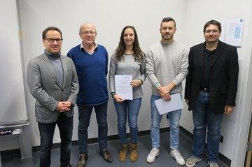 v. l. n. r.: Michael Litschka, Ewald Volk, 2 TeilnehmerInnen des Planspiels und Helmut Kammerzelt