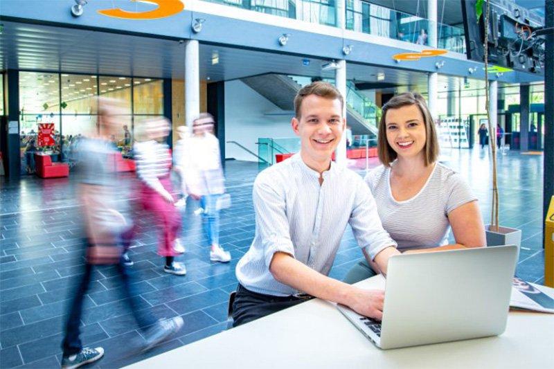 DIHOST: Codingweek für Lehrlinge