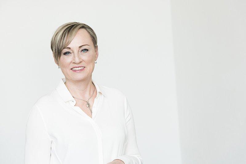 Dr. Kristin Hanusch Linser