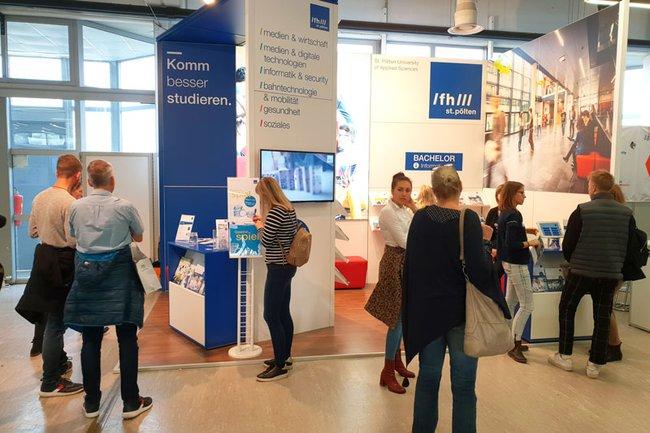 Department Medien und Wirtschaft auf der Bacherlor & More Messe Wien 2019