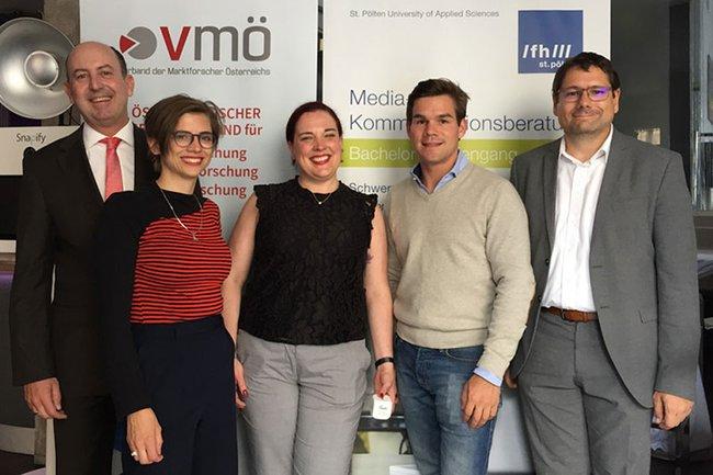 v.l.n.r.: Robert Sobotka (VMÖ), Andrea Scheiblehner (VMÖ), Rita Sonnenwirth (Teads), Phillip Fumolo (Teads), Helmut Kammerzelt (FH St. Pölten)