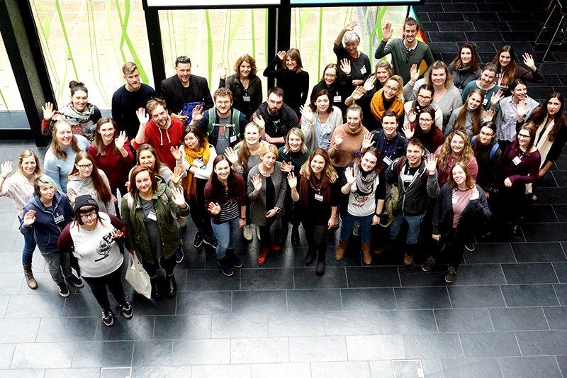 Studierende und Lehrende bei einem Workshop zum Projekt