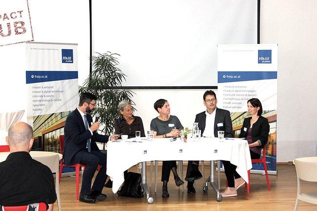 Moderator Michael Köttritsch, Traude Kogoj (ÖBB), Sylwia Bukowska (Uni Wien), Peter Rieder (Arbeitswelten Consulting) und Marlies Temper (FH St. Pölten) bei der Diskussion.