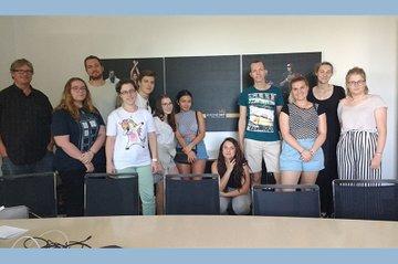 Die Medienmanagement-Studierenden aus dem 4. Semester besuchten im Rahmen einer Exkursion den Radiosender Kronehit.