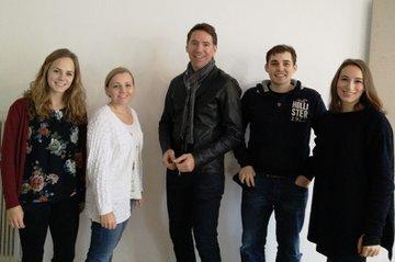Die Studierenden zusammen mit dem Seminar-Leiter (v.l.n.r.): Verena Bauer, Laura Breyer, Gerald Gruber, Fritz Lindengrün, Marlene Bauer