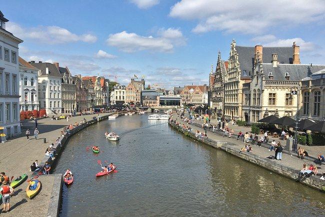 Paddeln am alten Hafen von Gent