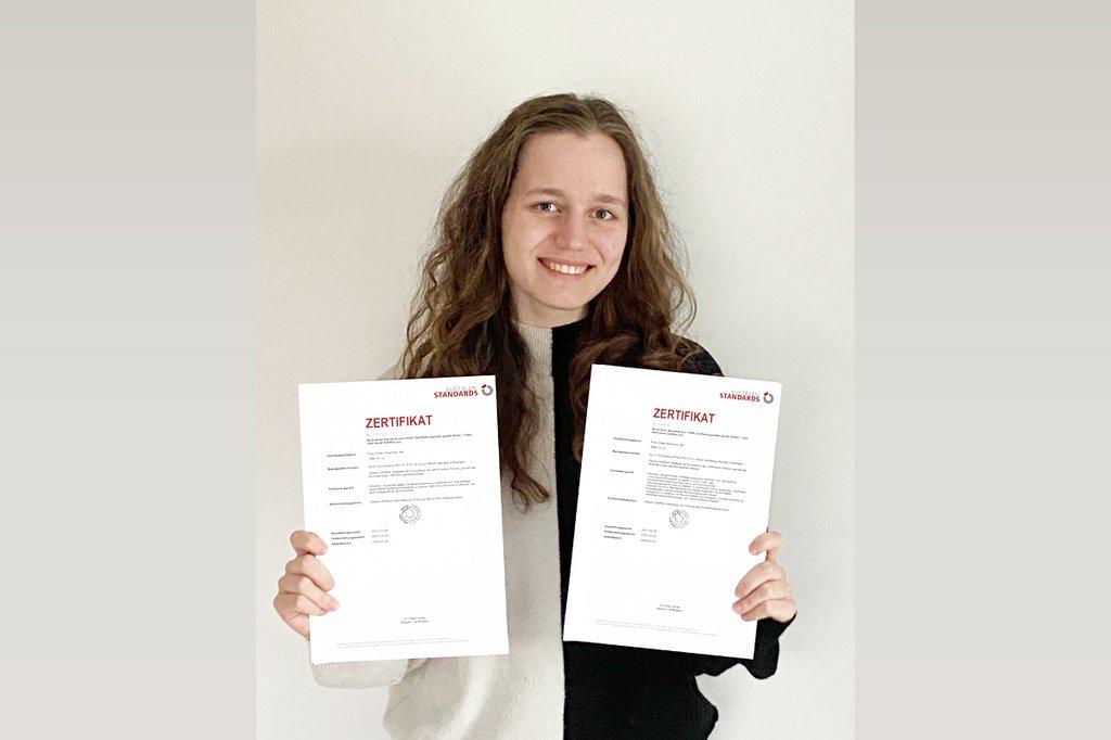 """Marketing & Kommunikation-Studentin Chiara Brammer ist zertifizierte """"Online Marketing Managerin"""" und """"Social Media Managerin"""""""