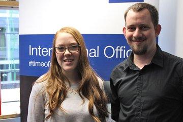 Die beiden Incoming Studierenden Ashley Stephenson und Peter Beard