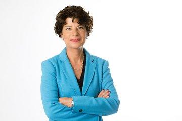 Prof. Dr. Petra Grimm ist Professorin für Medienforschung und Kommunikationswissenschaft an der Hochschule der Medien Stuttgart und leitet seit 2014 zudem das dort angesiedelte Institut für Digitale Ethik.