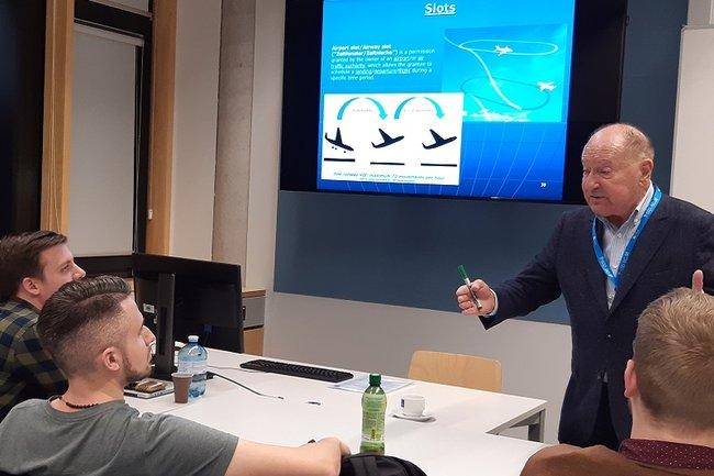 Vortrag von Prof. Mario Rehulka bei der International Week der Bahntechnologie