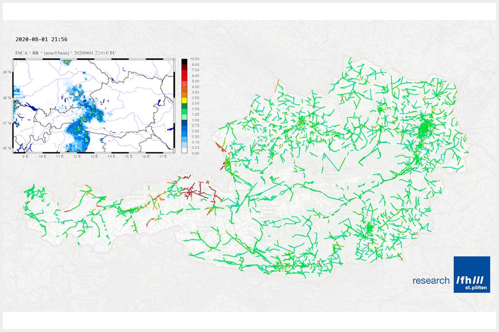 Österreichkarte, auf denen Signaldämpfungen (grüne und roten Strichen) und Gewitterwolken (kleines eingefügtes Bild mit blauen Wolken) zu sehen sind. Man erkennt dabei, dass diese Übereinstimmung noch längst nicht perfekt ist. Das ist in dieser frühen Projektphase aber auch noch nicht zu erwarten.