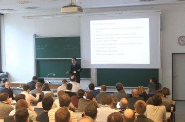 Martin Pirker bei seinem Vortrag auf der sec4dev Konferenz