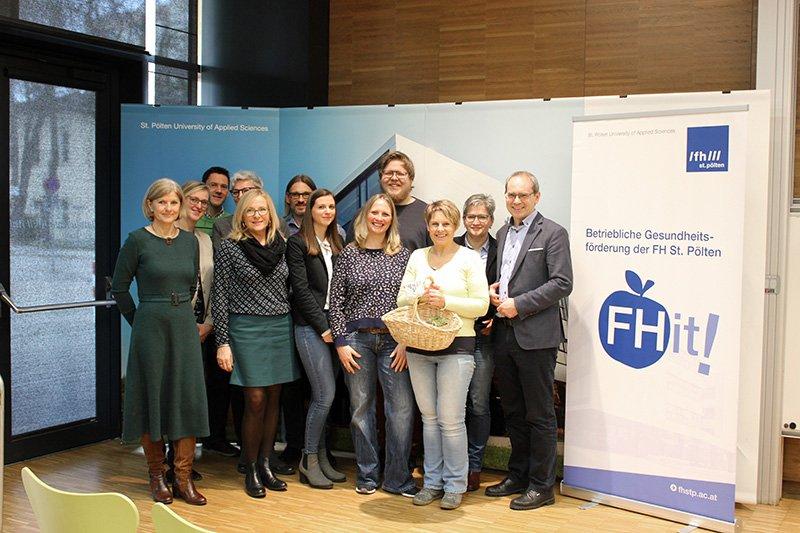Das BGF-Team mit Geschäftsführer Gernot Kohl (ganz rechts) und Projektleiterin Gabriele Mörth (ganz links).