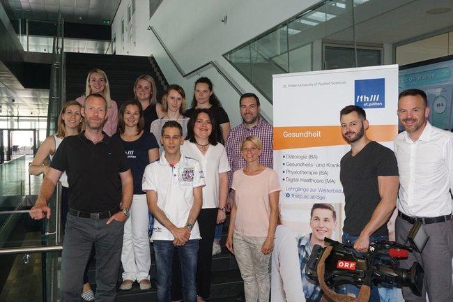 Das Team mit Petra Ganaus und den Mitarbeitern des ORF