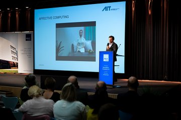 Bei Vorträgen und Workshops informierten sich Expertinnen und Experten über aktuelle Entwicklungen im Gesundheitsbereich.