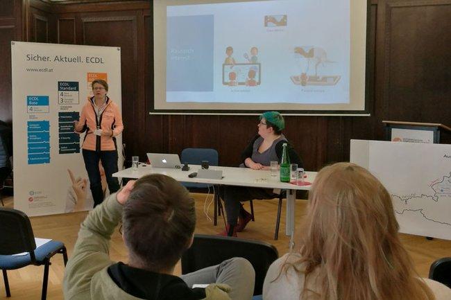 Kerstin Blumenstein beim Austrian HCI Networking Event