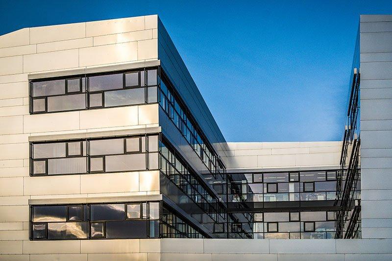 Ansicht des Hauptgebäudes der Fachhochschule St. Pölten