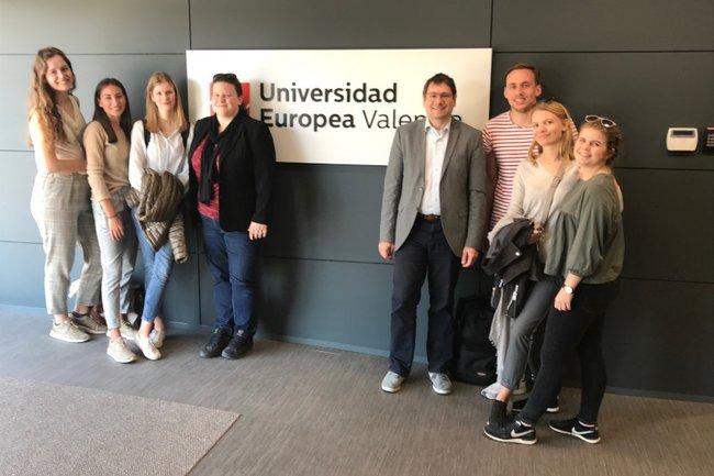 Lehrende und Studierende (Bachelorstudium Media- und Kommunikationsberatung) waren Teil der International Marketing Week in Valencia.