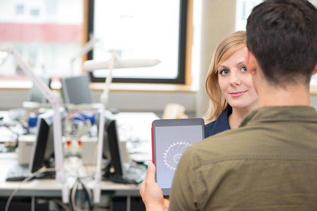 2015 startete an der FH St. Pölten der erste duale Studiengang im Osten Österreichs: Smart Engineering of Production Technologies and Processes