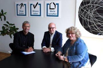 Hannes Raffaseder (Chief Research & Innovation Officer), Rainer Schultheis (Geschäftsführer Saphenus Medical Technology Gmbh), Direktorin Mag. Daniela Zechner (AUVA)