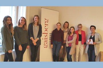 Die Runde des vierten PR-Kamingesprächs des Bachelorstudiums Media- und Kommunikatiosnberatung bei Gaisberg.