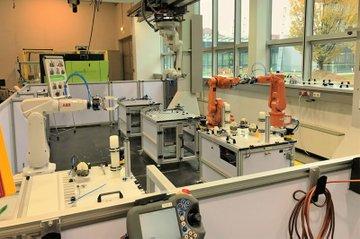Das Roboter-Kompetenz-Zentrum im WIFI OÖ