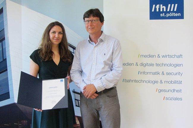 """Luisa Griesmayer, """"Rookie of the Year"""" im Lehrgang Eventmanagement, zusammen mit Harald Rametsteiner, Lehrgangsleiter."""