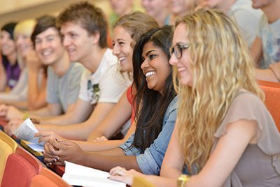 Rekordinteresse der Bewerber*innen in den Studiengängen Marketing & Kommunikation sowie Digital Marketing & Kommunikation