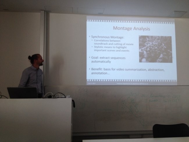 Matthias Zeppelzauer während seines Vortrags.