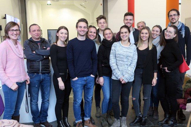 Medienmanagement-Studierende erkundeten im Rahmen einer Exkursion den TV-Sender ATV und lernten vor Ort Expertinnen und Experten kennen.