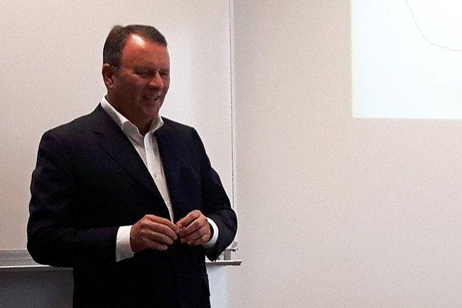 Die Studierenden des Master Studiengangs Media- und Kommunikationsberatung durften kürzlich Peter Vorauer (Geschäftsführer der Full-Service-Werbeagentur vorauerfriends communications gmbh) als Gastvortragenden begrüßen.