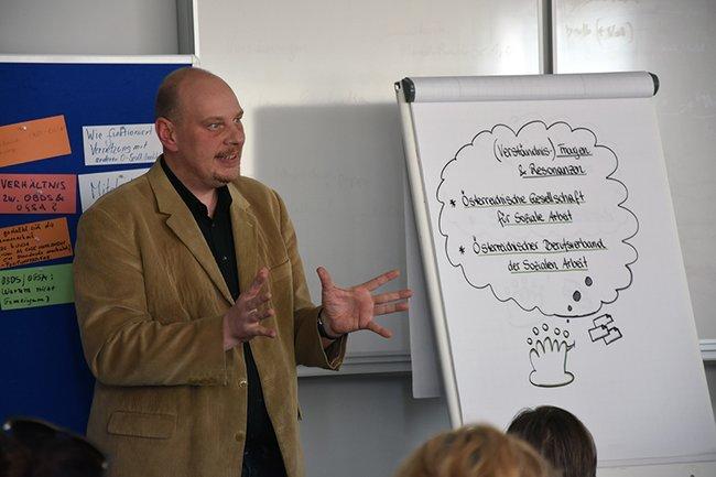 Jochen Prusa vom Österreichischen Berufsverband der Sozialen Arbeit (OBDS)
