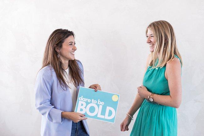 Die beiden Co-Gründerinnen von the female factor, Mahdis Gharaei und Tanja Sternbauer