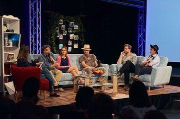 Die diesjährige c-tv Konferenz lieferte einen Überblick über aktuelle Entwicklungen zu Social-TV auf Instagram, WhatsApp und Co., bei dem Fernsehen und Soziale Medien verschmelzen.