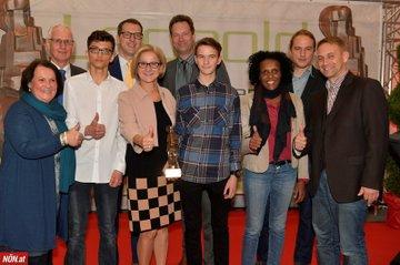 Das Siegerteam des Projektes Railcheck mit Landeshauptfrau Johanna Mikl-Leitner
