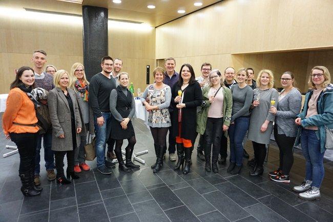 TeilnehmerInnen der Veranstaltung mit der Vortragenden und der Studiengangsleiterin