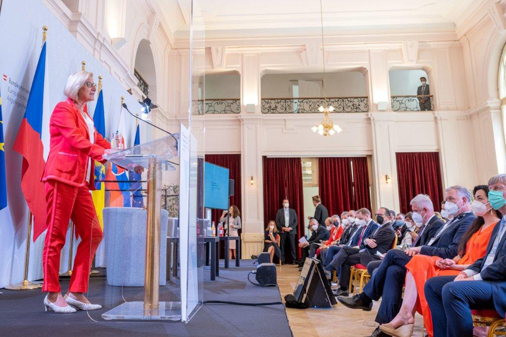 Landeshauptfrau Johanna Mikl Leitner bei der Veranstaltung