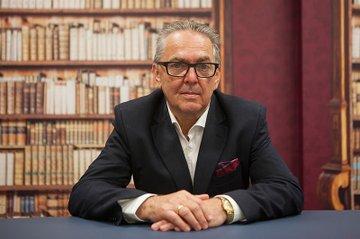 Michael Obermeyr (Geschäftsführer Reichl und Partner Public Relations) spricht über Öffentlichkeitsarbeit.